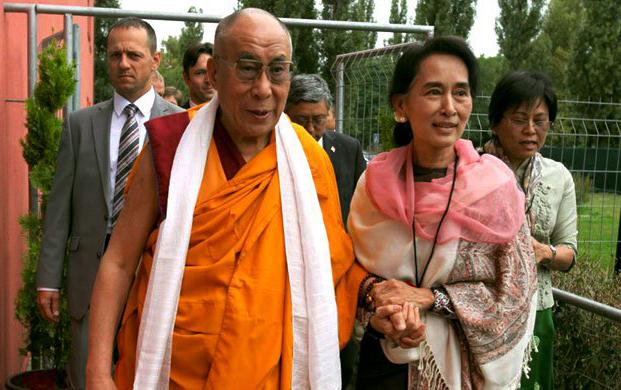 দালাই লামার নোবেল বাতিলের দাবি: উগ্র বৌদ্ধ গোষ্ঠীকে সমর্থন